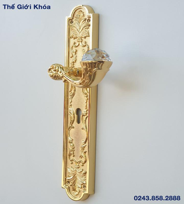 khoa-cua-nhap-khau-italy-dong-queen-crystal